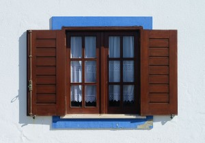 1280px-Window_Porto_Covo_August_2013-2
