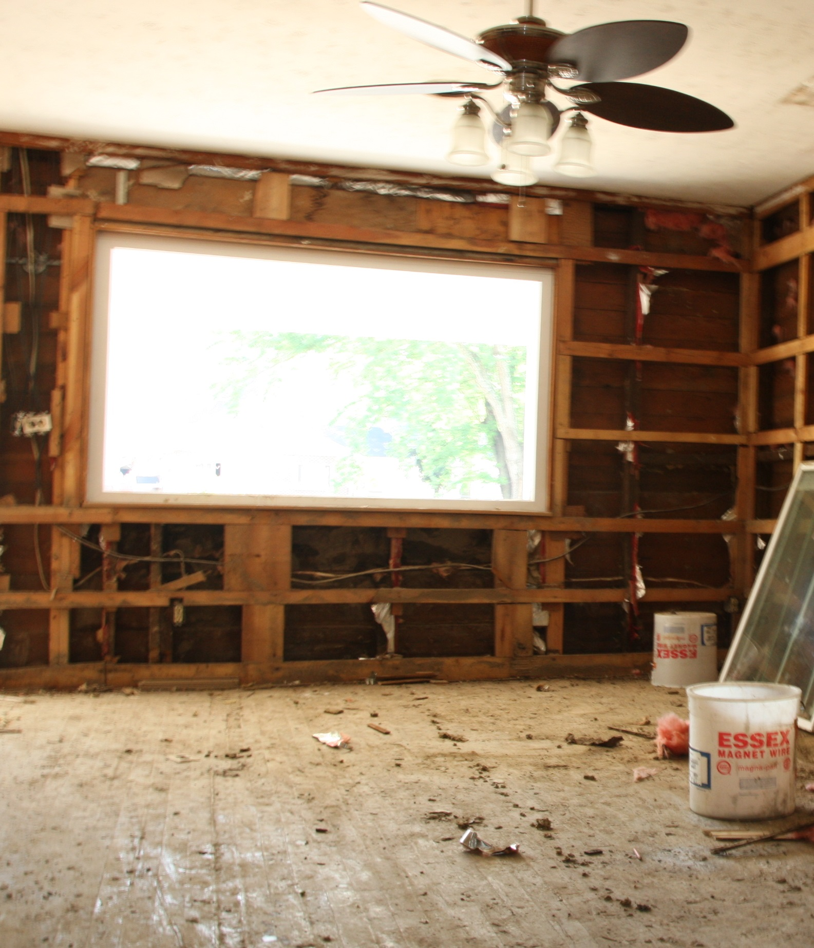 How to tell when current insulation is damaged or needs replacing